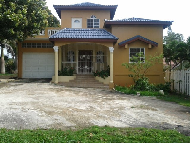 House For Rent In Mandeville, Manchester Jamaica
