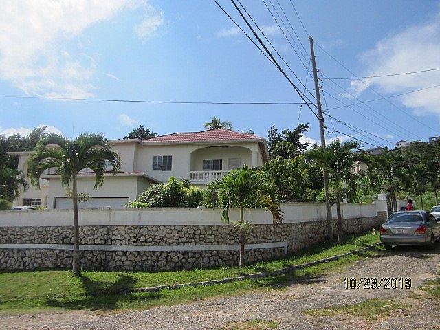 Flat for lease rental in mandeville manchester jamaica propertyads jamaica for 2 bedroom apartment for rent in mandeville jamaica
