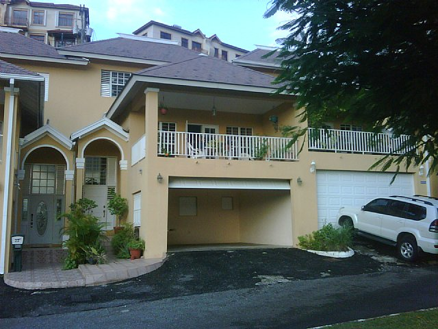 Townhouse For Sale In Norbrook Estate Kingston St