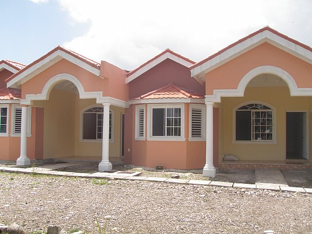 Townhouse For Sale In Highgate St Mary Jamaica