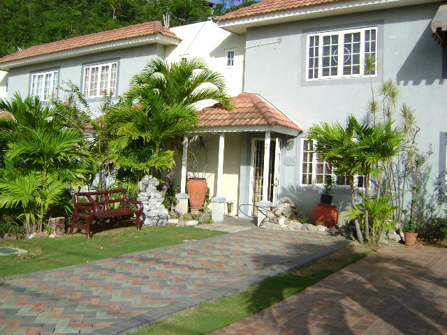 Townhouse for lease rental in long mountain kingston st - 3 bedroom house for rent in kingston jamaica ...