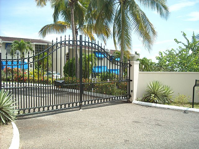 Apartment For Rent in Cherry Gardens, Kingston / St  Andrew