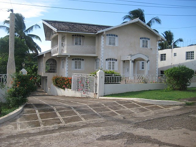House for sale in green acres st catherine jamaica for Catherines house