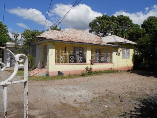 Sensational House For Sale In Richmond Park Kingston St Andrew Jamaica Propertyadsja Com Download Free Architecture Designs Intelgarnamadebymaigaardcom