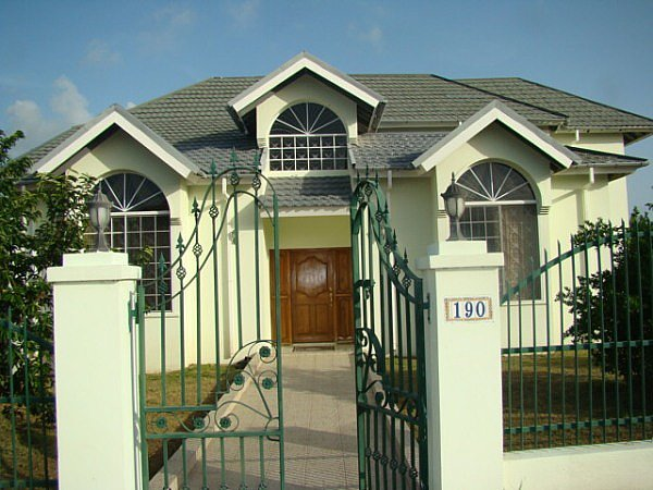 House For Rent In Twin Palms Estate Clarendon Clarendon
