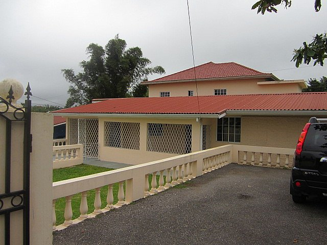 House for lease rental in mandeville manchester jamaica propertyads jamaica for 2 bedroom apartment for rent in mandeville jamaica