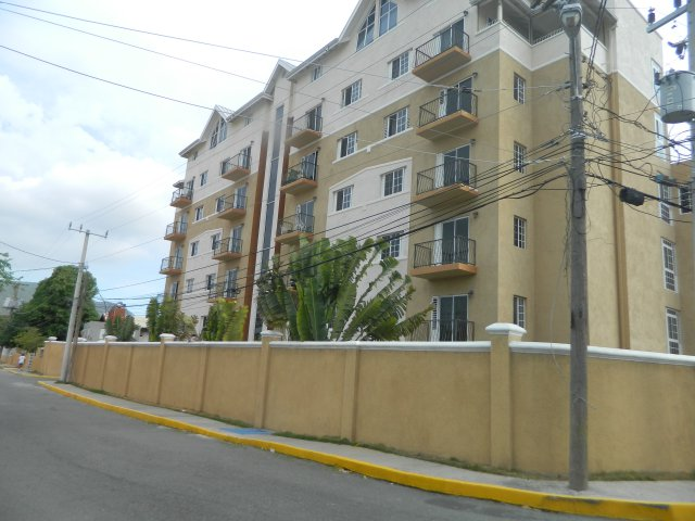 Apartment for sale in kensington crescent kingston st for Cost of building a house in jamaica