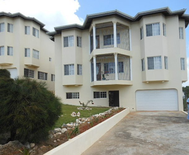 Apartment for lease rental in knowles mews mandeville manchester jamaica propertyads jamaica for 2 bedroom apartment for rent in mandeville jamaica