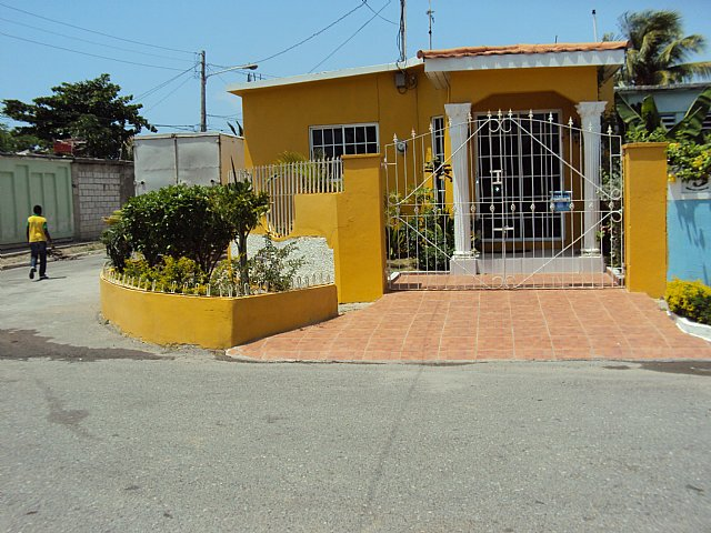 house for sale in westchester portmore  st  catherine