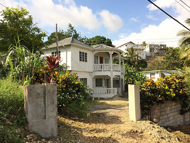 House For Sale In Ingleside, Manchester Jamaica