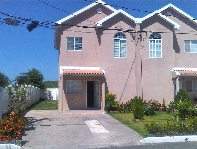 Townhouse For Sale In Caribbean Estate Kingston St