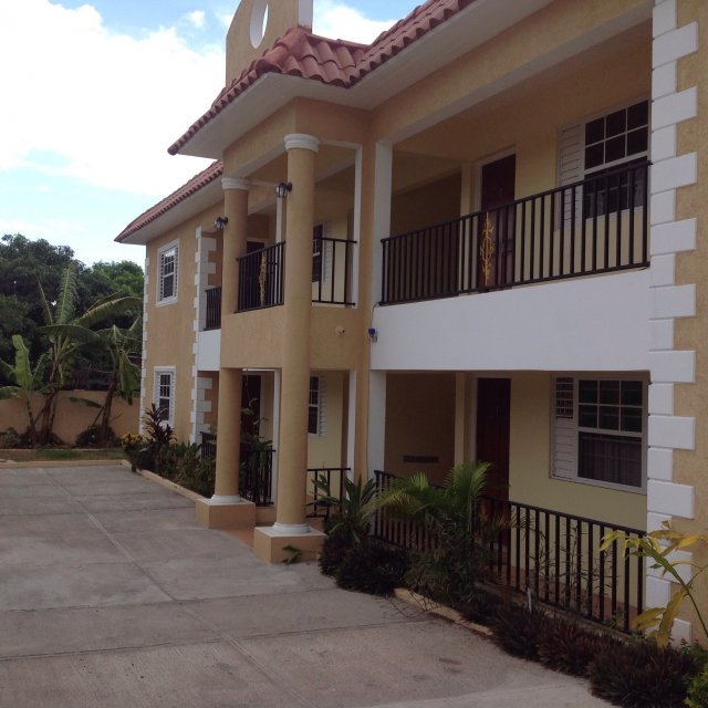 Apartment For Sale In Off Red Hills Rd, Kingston / St