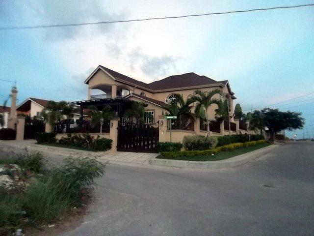 House For Sale in Rhyne Park, St. James, Jamaica ...