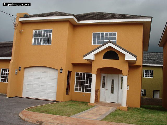 Townhouse for lease rental in mandeville manchester jamaica propertyads jamaica for 2 bedroom apartment for rent in mandeville jamaica