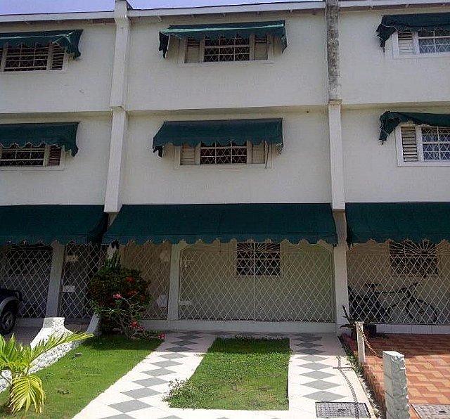 Townhouse For Rent In Washington Boulevard, Kingston / St