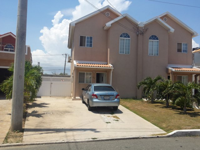 Townhouse For Sale In Caribbean Estate St Catherine