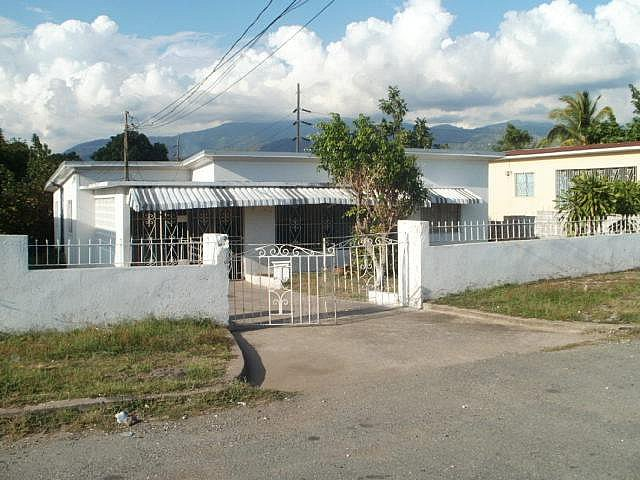 House For Sale in Off Molynes Road, Kingston / St. Andrew ...