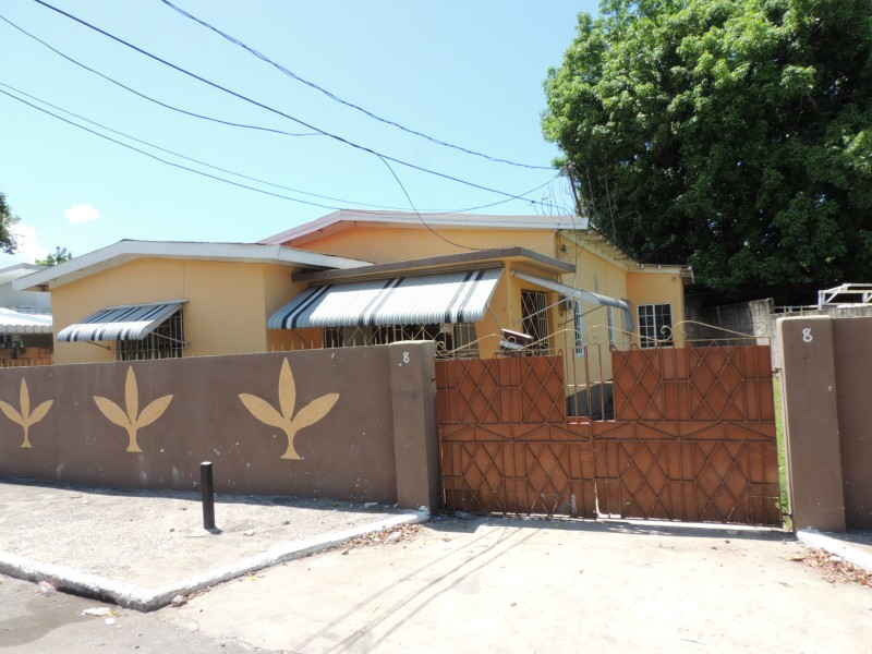 House For Sale In Kingston 11 Kingston St Andrew Jamaica Propertyadsja Com