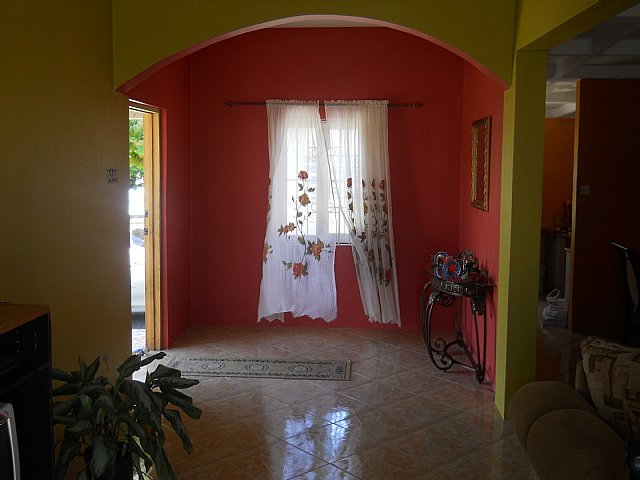 House for sale in edgewater portmore st catherine for Bedroom designs in jamaica