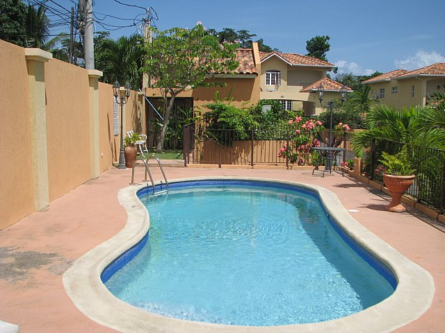 townhouse for sale in norbrook  kingston    st  andrew