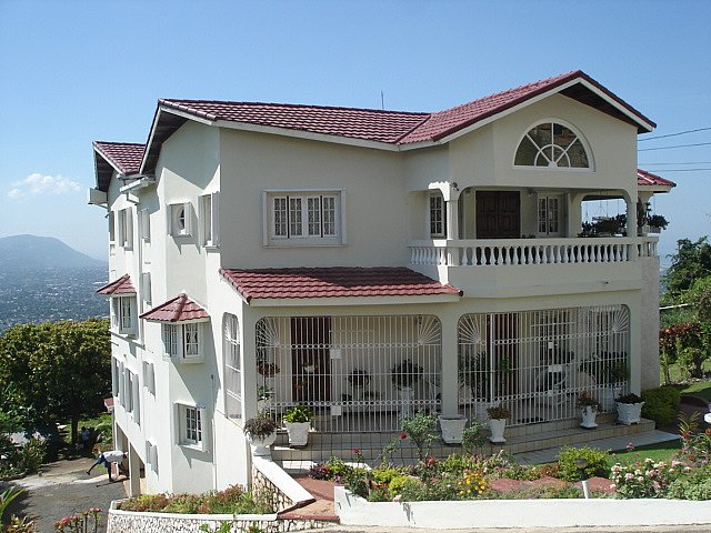 House for sale in chancery hall kingston st andrew for Jamaican house designs