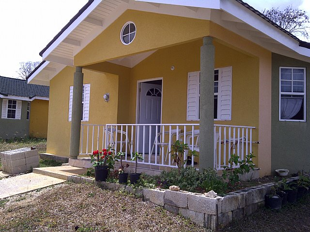 House for sale in stonebrook estate trelawny jamaica for Home design front side
