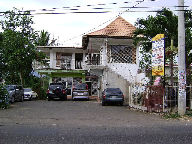 Commercial building For Sale in Linstead, St. Catherine ...
