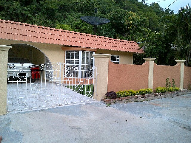 House For Sale In Meadowbrook Estate Kingston St