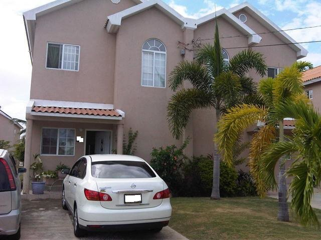 Townhouse For Sale In Caribbean Estates St Catherine Jamaica Propertyads Jamaica