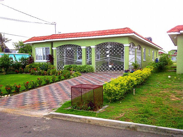 House for sale in seville meadows st catherine jamaica Seville house