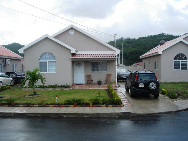 House For Lease Rental In Caymanas Estate Country Club St