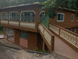 7 bed 5 bath House For Sale in St Andrew, Kingston / St. Andrew, Jamaica