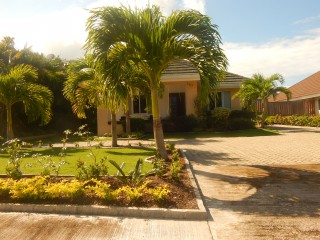 263 Orchid Ave, St. Ann, Jamaica - House for Lease/rental
