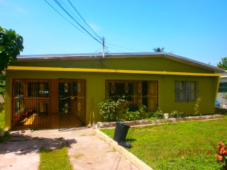 5 bed 3 bath House For Sale in WASHINGTON GARDENS, Kingston / St. Andrew, Jamaica