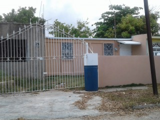 2 bed 1 bath House For Rent in Cumberland Portmore, St. Catherine, Jamaica
