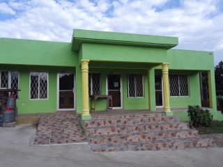 1 bath Commercial building For Rent in Woodhall, Clarendon, Jamaica