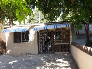 3 bed 2 bath House For Sale in Cumberland, St. Catherine, Jamaica