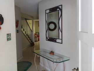 2 bed 2.5 bath Townhouse For Rent in New Kingston, Kingston / St. Andrew, Jamaica