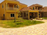4 bed 6.5 bath Townhouse For Sale in Golden Triangle Kng 6, Kingston / St. Andrew, Jamaica