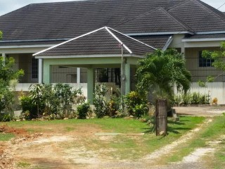 5 bed 5 bath House For Sale in Linestead, St. Catherine, Jamaica