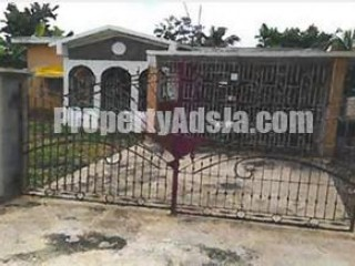 4 bed 2 bath House For Sale in GREENDALE, St. Catherine, Jamaica