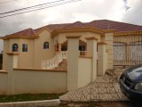 Villa Crescent, Manchester, Jamaica - House for Sale