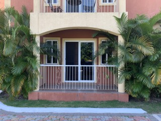 2 bed 2.5 bath Apartment For Rent in University Crescent 5 minutes walk from UHWI UWI and 2 minutes from UTECH, Kingston / St. Andrew, Jamaica