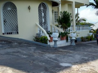 5 bed 5.5 bath House For Sale in Mandeville, Manchester, Jamaica