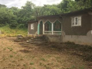 2 bed 2 bath House For Sale in Charlton Ewarton, St. Catherine, Jamaica