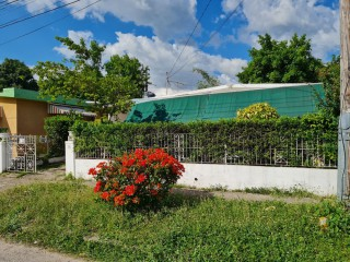 3 bed 1 bath House For Sale in Hughenden, Kingston / St. Andrew, Jamaica
