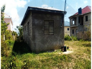 1 bed 1 bath House For Sale in May Pen, Clarendon, Jamaica