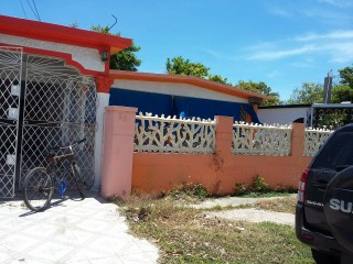 Bridgeport  Portmore, St. Catherine, Jamaica - House for Sale