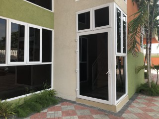 1 bed 1.5 bath Apartment For Sale in Off Red Hills Road Constant Spring Road Area, Kingston / St. Andrew, Jamaica