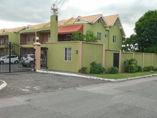 2 bed 3 bath Townhouse For Rent in Constant Spring, Kingston / St. Andrew, Jamaica